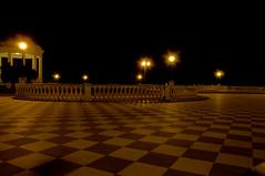 notte (Laura in cerca di foto.. e si  di nuovo persa!!!) Tags: nikon livorno notturno d300 terrazzamascagni laurafolchi gigilivornosfriends