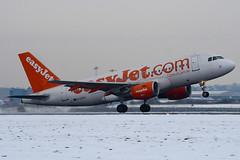 G-EZAY - 2827 - Easyjet - Airbus A319-111 - Luton - 091221 - Steven Gray - IMG_5422