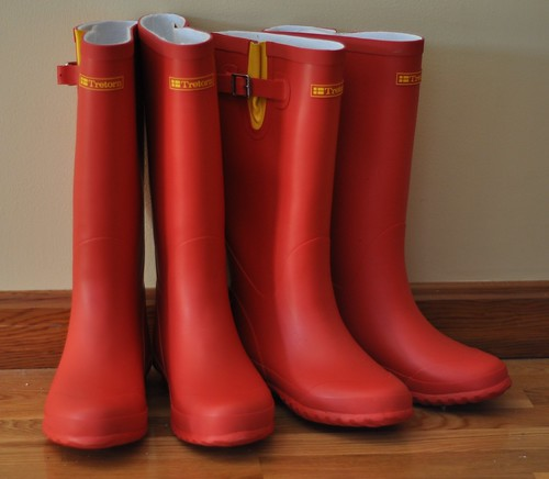 red nikon boots rubber rubberboots rainboots d90 tretorn nikkor50mm18d ladiesboots notwellies notwellingtons