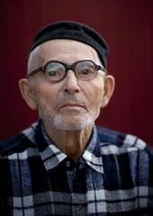 Kyrgyz old man, Kyrgyzstan (Eric Lafforgue) Tags: glasses oldman wisdom kyrgyzstan lunettes bishkek sagesse kirghizistan kirgistan 2960 kirghizstan kirgisistan bichkek    quirguizisto