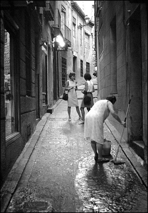 Cuesta de la Sal en Toledo en 1967. Fotografía de John Fyfe