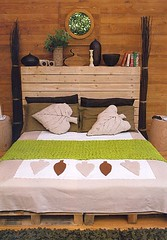 Decorao e reciclagem: Cama de pallets (Jessica Santin (Jehhhhh)) Tags: idea diy casa bed recycled decoration artesanal cama pallets cheap reciclagem decorao madeira barata mveis ideia palet cabeceira decorar aproveitamento paletes baixocusto