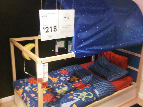 Another way to look at the kid's bed with canopy