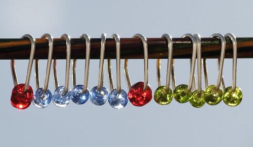 Maskemarkører - glassperler, 6 mm, sølv, oval    IMG_0834