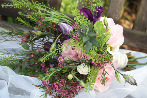 Country garden theme wedding bouquet share