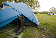 Camping_St Ives Farm_17 (jjay69) Tags: uk blue camping camp england holiday rural sussex countryside tents break outdoor weekend tent east wellingtonboots northface wellies eastsussex rubberboots campsite waterproof rockfish dometent hartfield bluetent 2mantent stivesfarm womaninwellies gettyvacation2010 roadrunner22