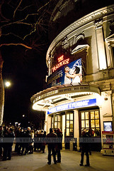 Playhouse Theatre - West End London (Naomi Rahim (thanks for 2 million hits)) Tags: uk england london night lights musical venue westend playhousetheatre af5018d dreamboatsandpetticoats