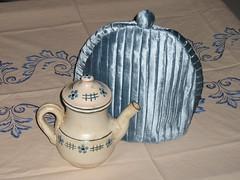 Blue velvet tea cosy (De Fio A Pavio) Tags: blue tea velvet teapot veludo ch teacosy abafador defioapavio