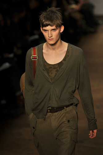 Charlie Westerberg3288_FW10_NY_Marc by Marc Jacobs(coutorture.com)