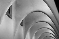 Casa Batllo, Barcelona -1 (christing-O-) Tags: barcelona vacation blackandwhite bw architecture spain arquitectura arch noiretblanc curves creative arches espana gaudi april catalunya espagne casabatllo barcelone 2010 arca catalogne