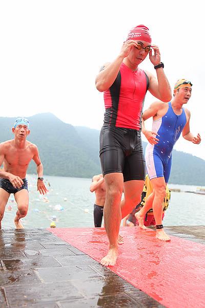 2010鯉魚潭鐵人三項swim