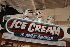 Ice Cream and Milk Shakes (Fred_T) Tags: canon rebel candy gabby pennsylvania chocolate harmony olympia hershey chocolateworld xti singingcows icecreamandmilkshakes
