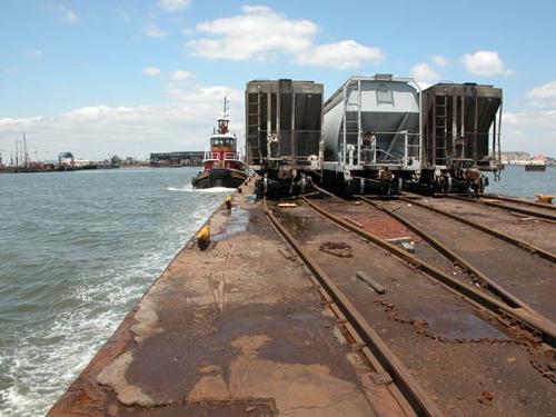 Raile Barge2