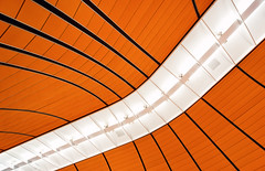 Curve (Philipp Klinger Photography) Tags: light shadow red orange abstract black lines architecture germany underground subway munich mnchen cord bayern deutschland bavaria europa europe pattern