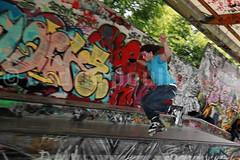 Sport #29 (Cdric POULMAIRE) Tags: park paris sport canon eos jump freestyle skatepark skate roller bp grind glisse urbansport baladesparisiennes