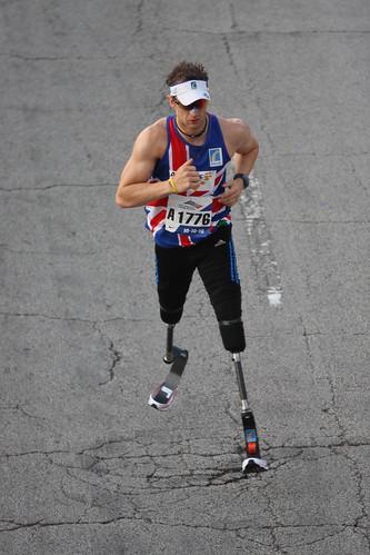 Richard Whitehead Chicago Marathon 10-10-10