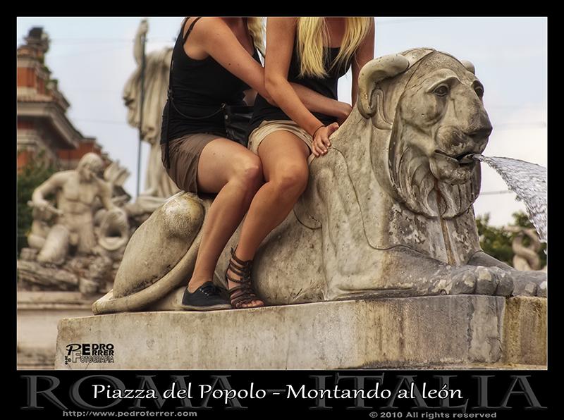 Roma - Piazza del Popolo - Montando al león
