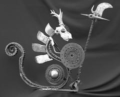 guerrier (pedrobigore) Tags: sculpture chien table bateau poisson métal fer masque acier danseuse récup volant bestioles récupération soudure soudeur féraille akouma hipocamppe