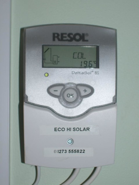 Solar water heating controller