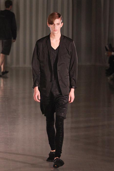 Gabriel Gronvik3115_SS11_Tokyo_MOLFIC(Fashionsnap)