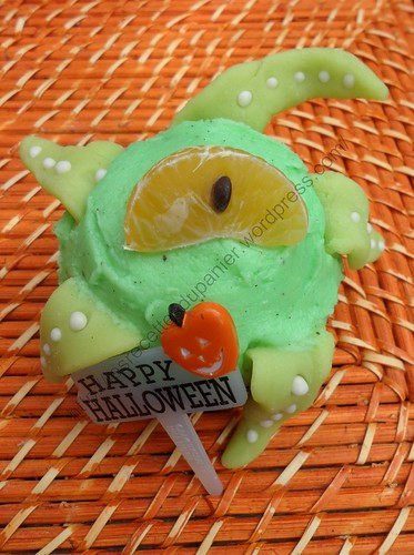 Monstrueux cupcake d'Halloween / Halloween monster cupcake