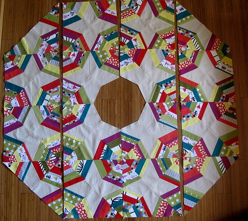 Christmas Tree Skirt Piecing 10