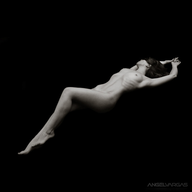 nude photo - Timeless II by Angel Vargas