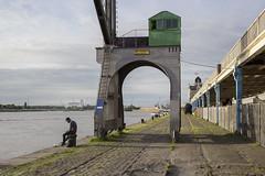 Scheldekaai (Tim Boric) Tags: antwerpen schelde kaai jordaenskaai havenkraan 111 dock crane