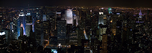 800px-New_York_Midtown_Skyline_at_night_-_Jan_2006