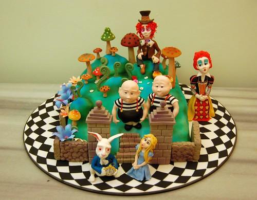 alice in wonderland cake 2009 by FATMA ÖZMEN CAKE DESIGNER.