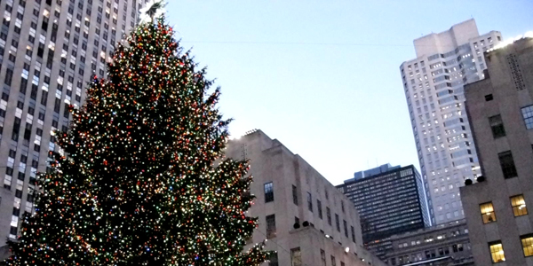xmas-rockefeller-plaza=christmas-tree