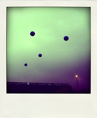 808 (duineser) Tags: blue sky lamp blu balls cielo lampione 0080 palloni poladroid trashbit