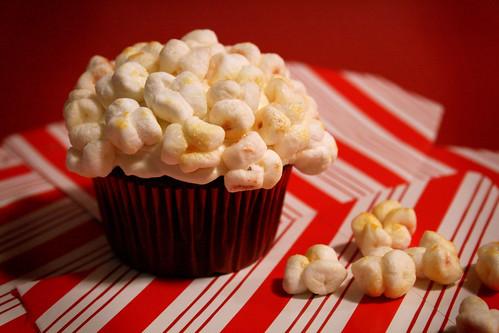 Buckets o' Popcorn Cupcake