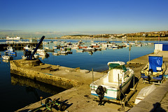 barca grua embarcadero (jose.aguarod) Tags: barco embarcadero grua bizkaia euskadi vizcaya paisvasco getxo lasarenas canonefs1585is