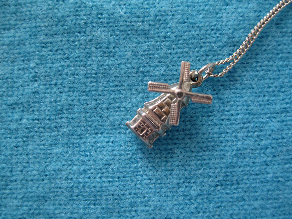 thrifted: windmill necklace