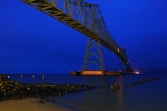 Where sleeping under the bridge is a good thing (Jon Asay ) Tags: bridge winter beach night oregon river washington twilight dusk bank columbia astoria piling 2008 megler