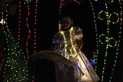 SpectroMagic (Disney Dan) Tags: christmas winter usa america us orlando december unitedstates florida alice character disney disneyworld characters fl wdw waltdisneyworld 2009 magickingdom spectromagic disneycharacters disneycharacter waltdisneyworldresort disneyvacation disneypictures disneyparks disneyphotos aliceinwonderlandmovie alicemovie