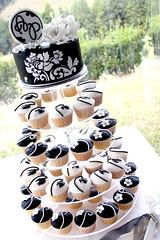 Black and White (Bella Cupcakes (Vanessa Iti)) Tags: roses white black monogram peony weddings cupcaketower bellacupcakes