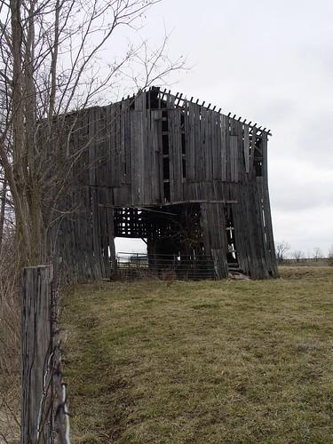 3.2.2010. old barn