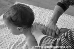 massaggio neonato 5 (Claudia - lacasanellaprateria.com) Tags: del il neonato massaggio ilmassaggiodelneonato