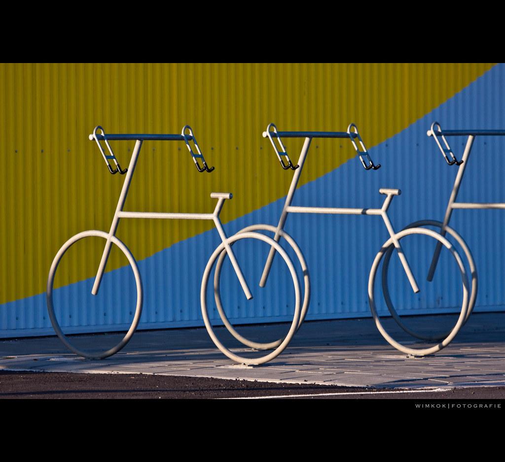 Look, it's a giant bike!