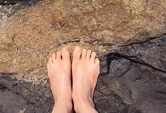 (lizianekugland) Tags: color feet beach self ps