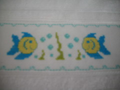 Toalha de beb (Tania artes) Tags: beb toalha pontocruz bordada vagonite
