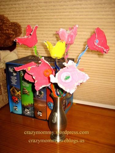 egg carton tulips