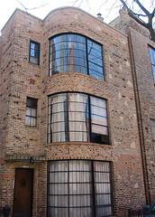151 W. Burton Place (1932) (chicagogeek) Tags: city chicago brick architecture illinois thirties 1930s apartment artists artdeco oldtown worldsfair 1933 artmoderne burtonplace edgarmiller curvedglasswindows solkogen carlstreetstudio