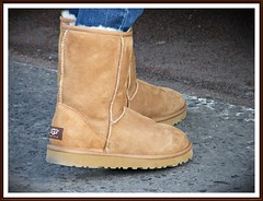 Young girl spotted - candid - wearing sexy ugg...