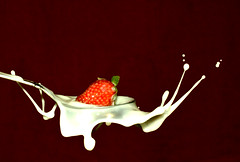 Creamy splash !! (|| Msh3L Alomran ||) Tags: speed canon high strawberry cream spoon shutter splash res    1000d