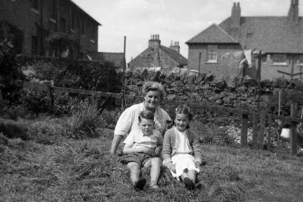 Iren Ross with Mrs. Gillespie & her son  Kirkintilloch