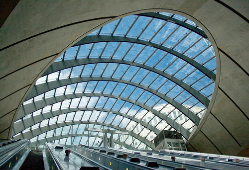 Canary Wharf Underground Station, London, UK, by jmhdezhdez