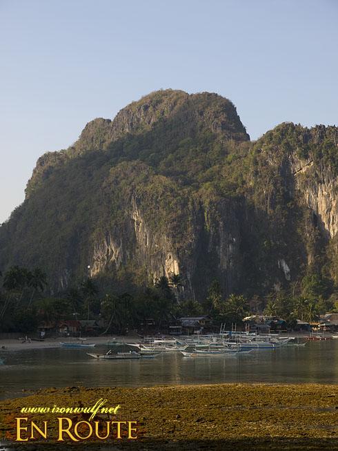 El Nido Beach and Taraw Lime Stones